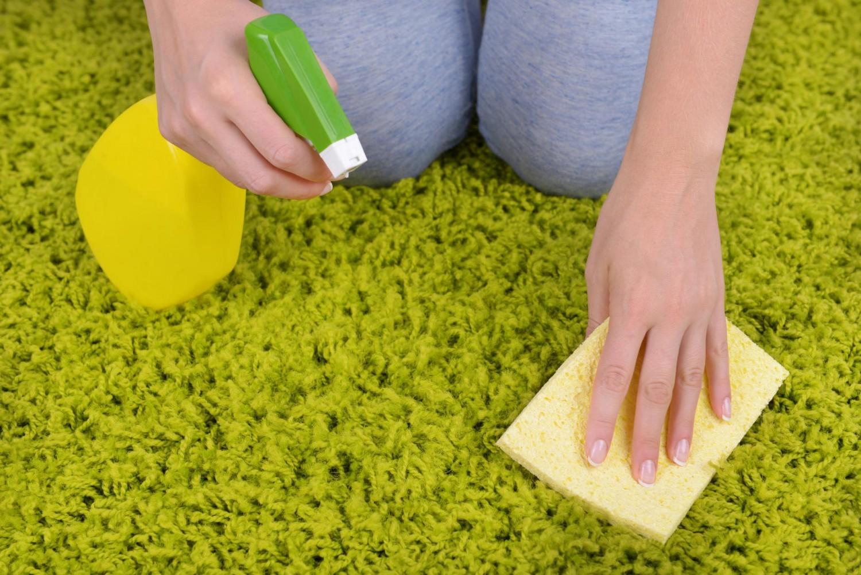 Как помыть ковер дома