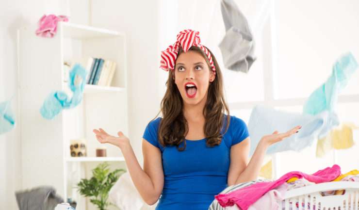 Как погладить рубашку без утюга в домашних условиях: чем можно быстро разгладить мятую вещь?