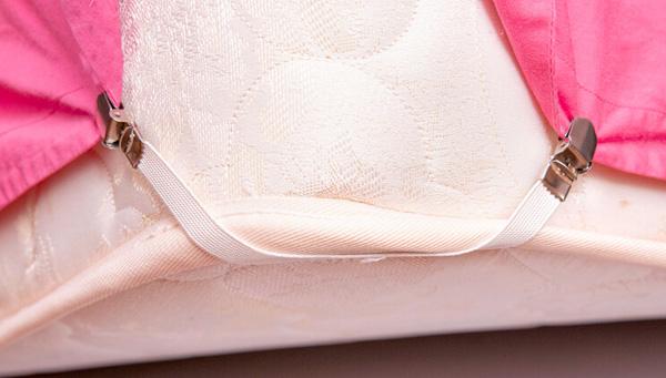 Как зафиксировать простынь на матрасе