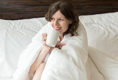 Одеяло из какой шерсти лучше и теплее – верблюжьей или овечьей, каковы свойства этих видов сырья?